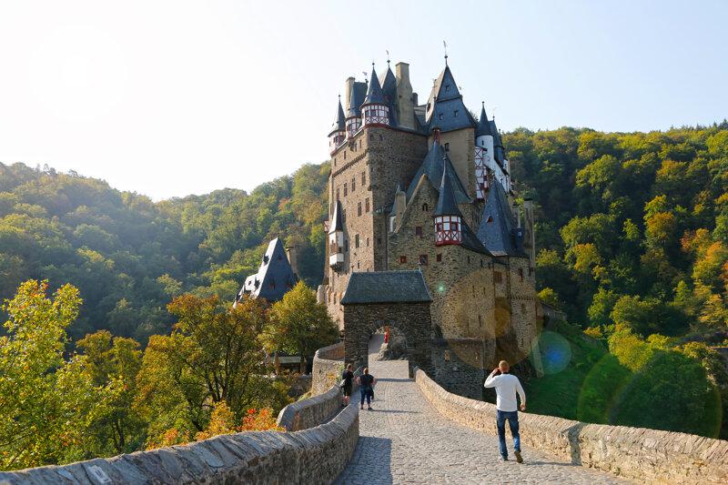Burg Eltz Außenansicht