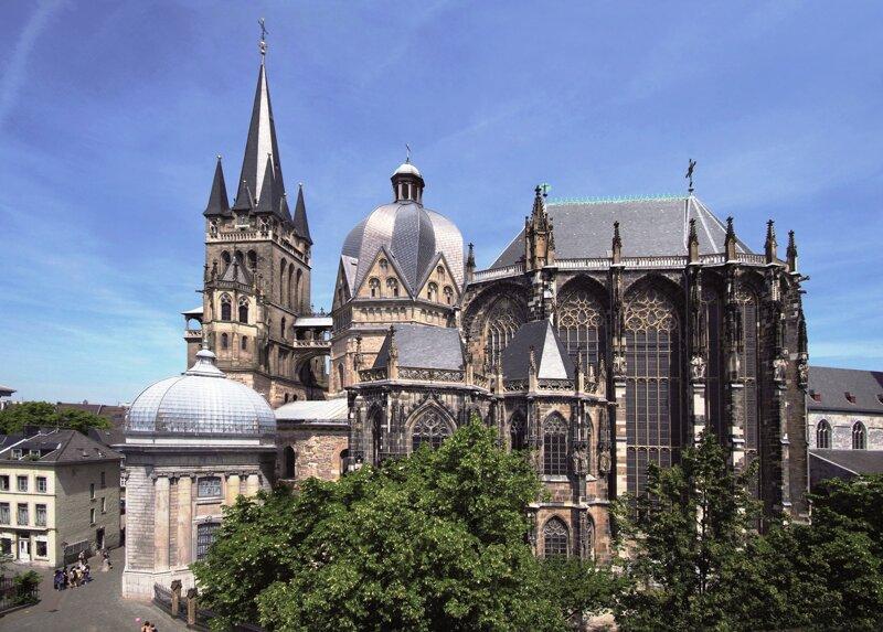 Aachener Dom Außenansicht