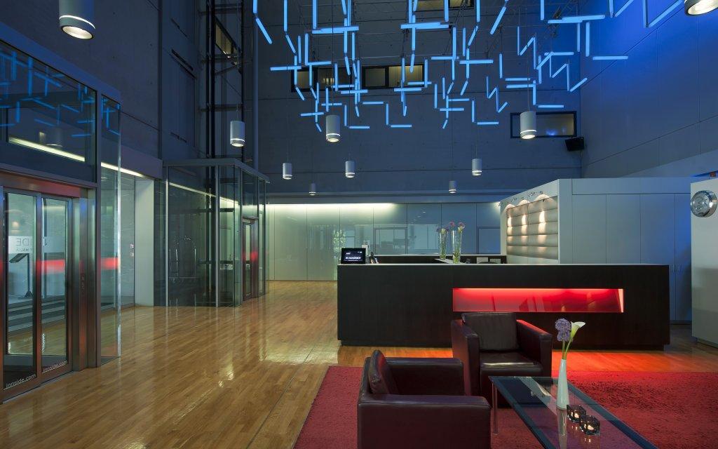 INNSIDE by Meliá Frankfurt Niederrad Lounge Rezeption