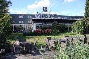 Gr8 Hotel Amsterdam Riverside Terraasse am Fluß Foto AB