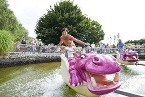 Das Nilpferd in der Wasserbahn©Ravensburger Spieleland