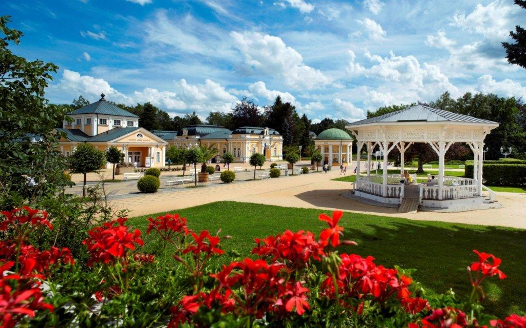 Franzensbad Park mit Pavillon