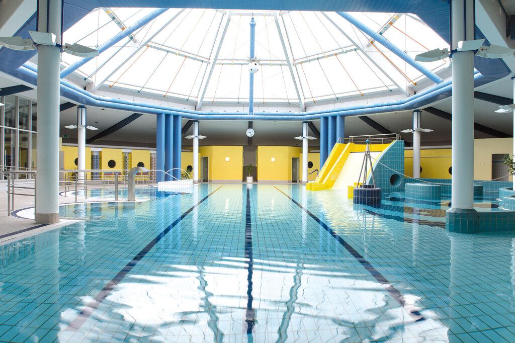 Teistungen Victor's Residenz-Hotel Teistungenburg Pool