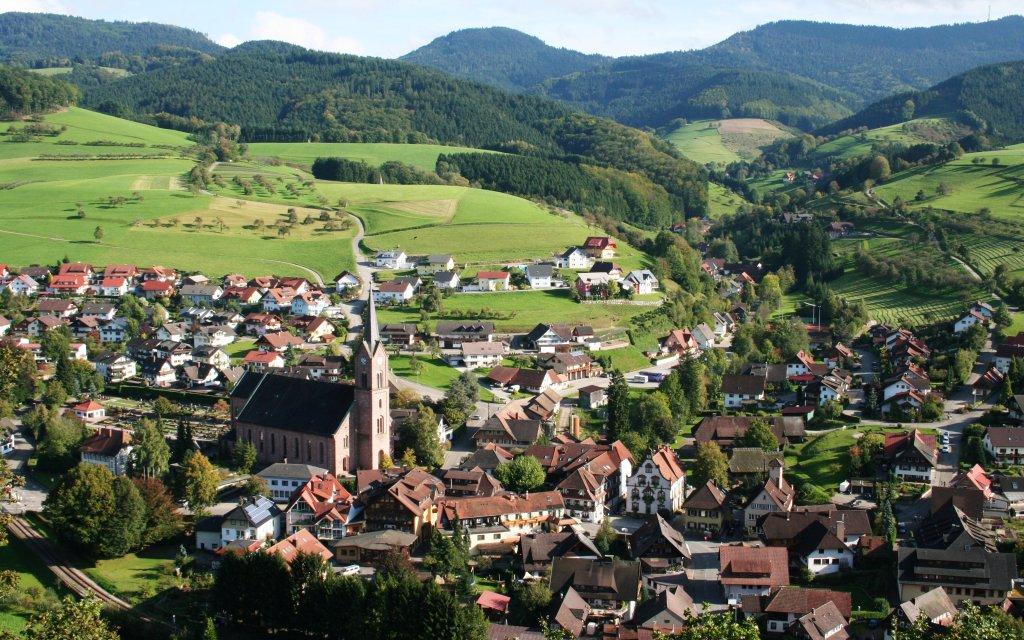 Blick auf Oberharmersbach im Kinzigtal