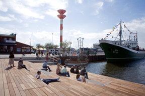 Schaufenster Fischereihafen mit Museumstrawler FMS Gera c Erlebnis Bremerhaven GmbH