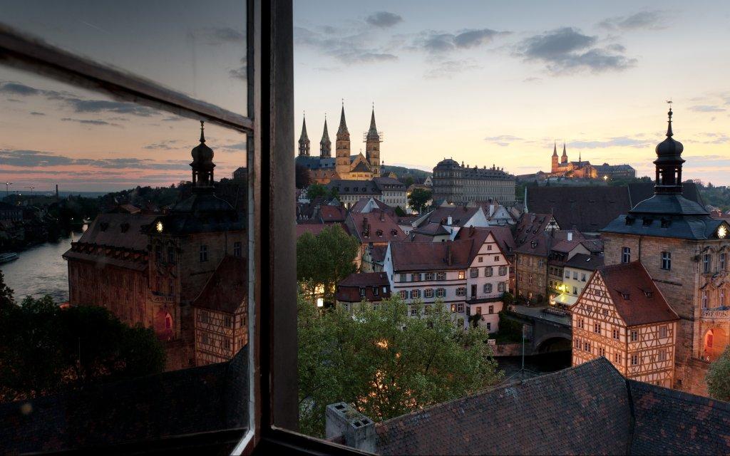 Bamberg bei Abenddämmerung