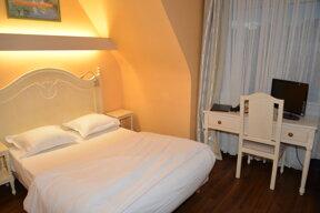 Doppelzimmer (2)