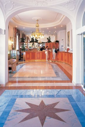 10 Resort Hvezda recepce