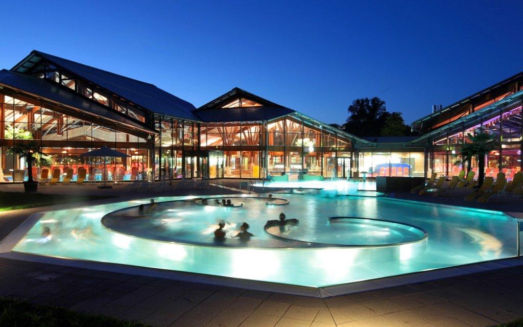 Keidel Mineral-Thermalbad Außenbereich Schwimmbecken