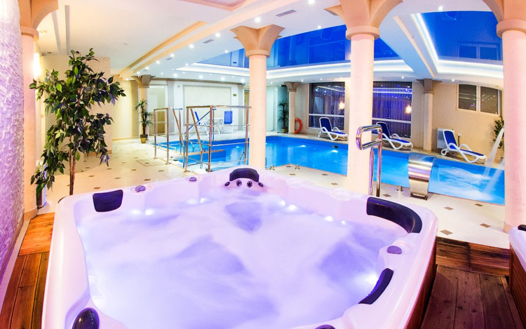 Kudowa Zdroj- Bad Kudowa Hotel Adam & Spa Pool Hallenbad Wellness