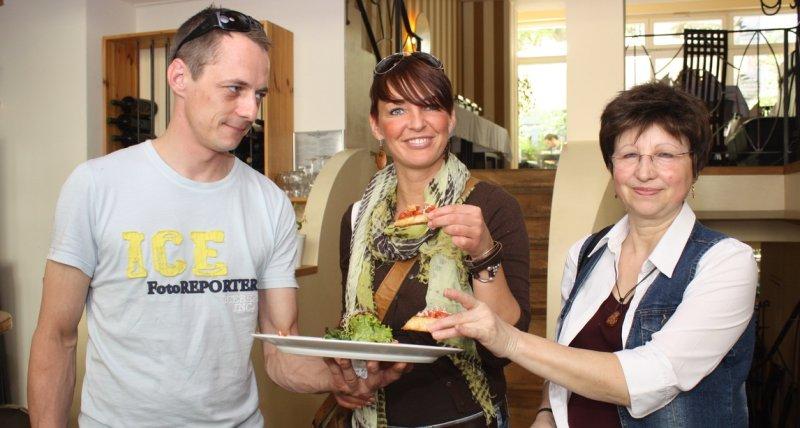 Gruppe von Eat the World bei der Führung durch die Leipziger Südvorstadt