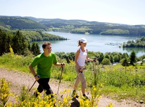 Nordic-Walking c Sauerland-Tourismus e.V. Tanja Evers