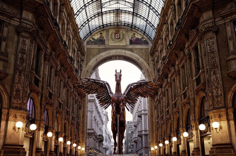 Galleria Vittorio Statue