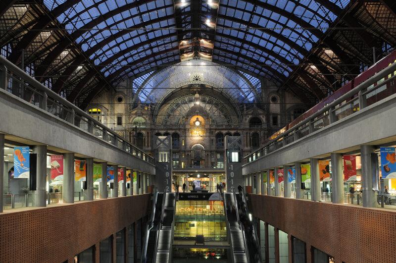 Centraal Station von innen Antwerpen