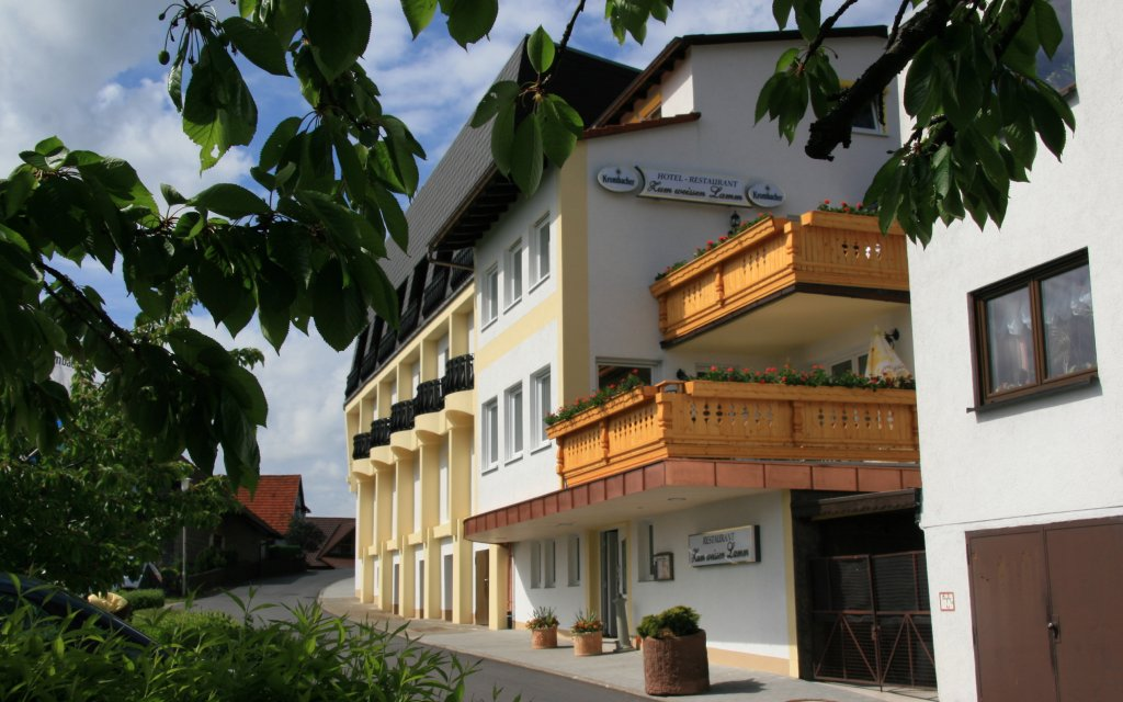 Kortelshütte Hotel Zum weissen Lamm aussen Außenansicht