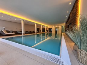 Schwimmbad4
