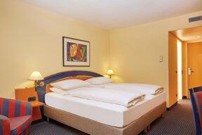 h-hotels zimmer-superior-bett-01-h4-hotel-leipzig Original (kommerz. Nutzung)  74b004b7