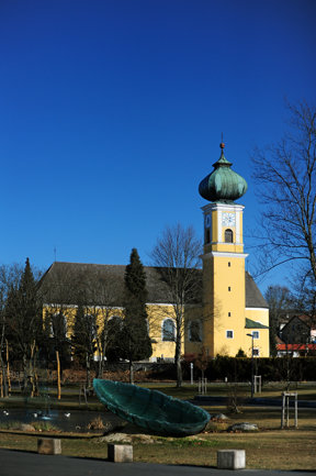 Frauenau Kirche 01 c MW
