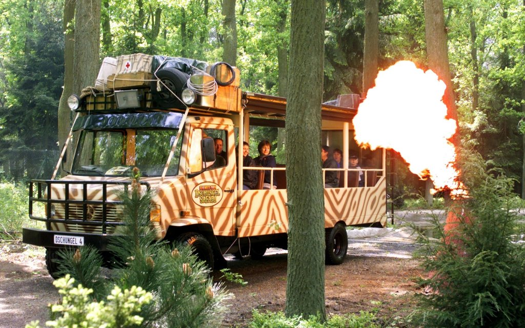 Safari-Bus im Serengeti Park in Hodenhagen