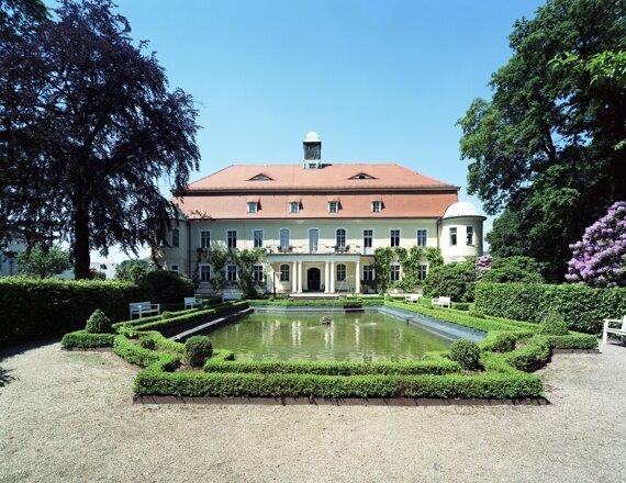ZWI01-exterior Baroque facade