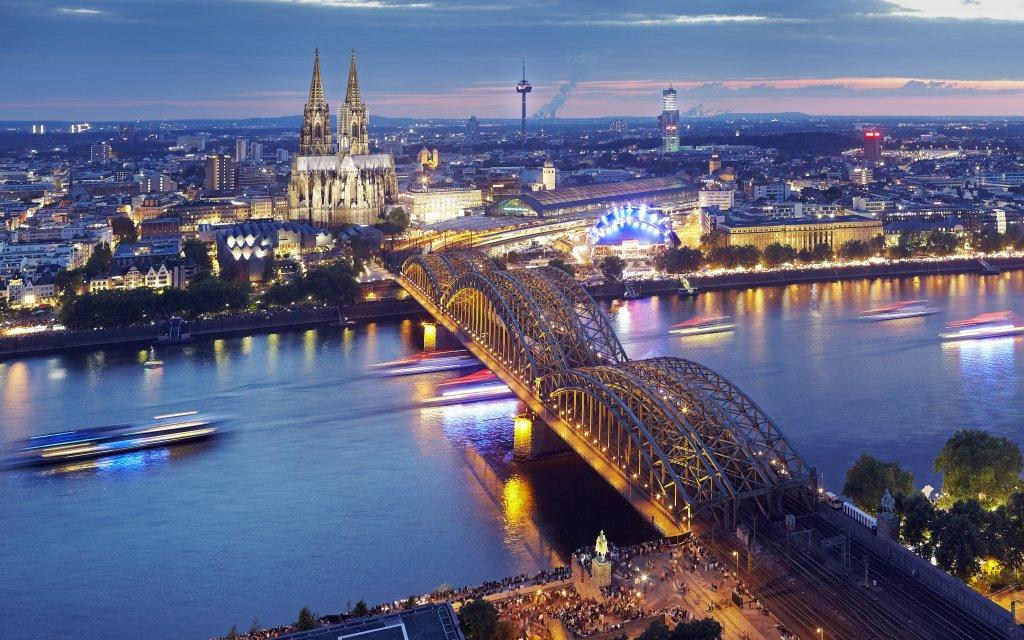 Köln Panorama mit Dom bei Nacht