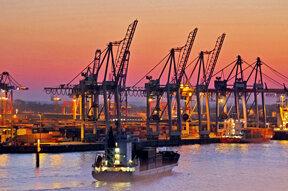 Sonnenuntergang Containerhafen Hamburg©www.mediaserver.hamburg.de, Foto  Ottmar Heinze
