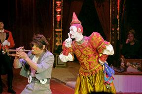 Clown und Trompeter