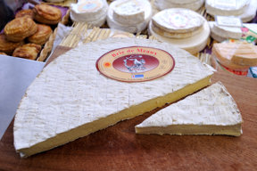 Fontainebleau, Brie Käse, Markt c CRT Paris Ile-de-France, Jarry-Tripelon (2)