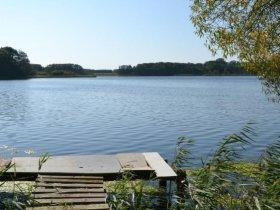 Steg am See ohne c pixabay