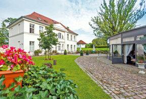 Das Prinzenpalais mit seiner Dependance und Garten.