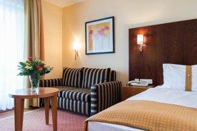 Hotel Fulda Mitte Hotelzimmer Schlafcouch