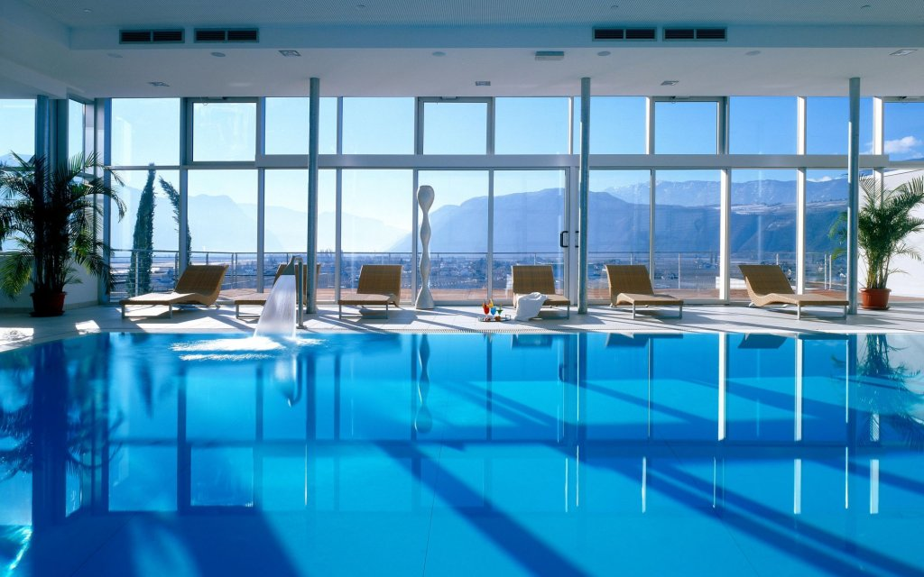 Bozen Four Points by Sheraton Pool Hallenbad