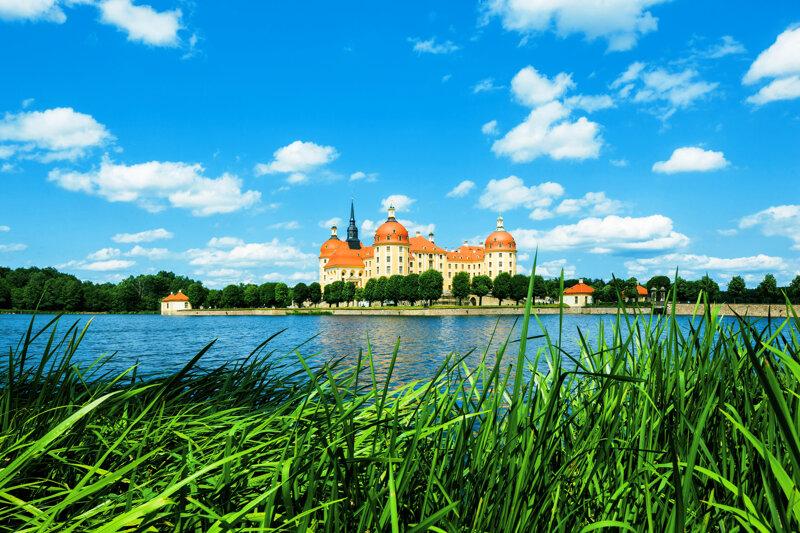 Schloss Moritzburg von weitem