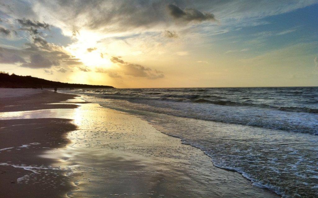 Strand von Gribow im Sonnenuntergang
