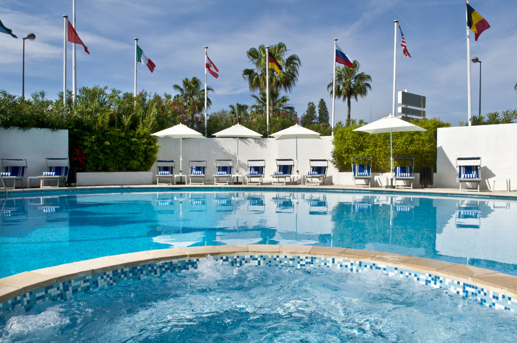 Park Inn Hotel Nice Pool